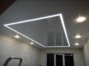 Потолки со светящимися линиями